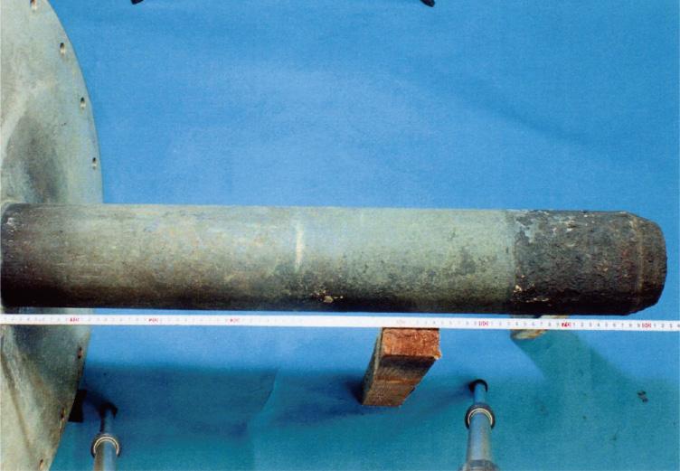 インコネル601,インコネル625,ハステロイC22 (長さ方向に横に3分割した材料を溶接)