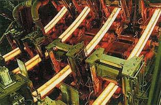 鋳造片(ビレット)の製造過程